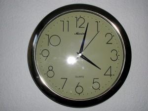 clock-electronic_w725_h544